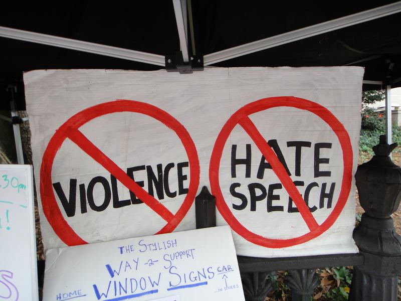 Facebookovi algoritmi za prepoznavanje sovražnega govora so aktivni kot še nikoli. © Flickr/John S. Quarterman