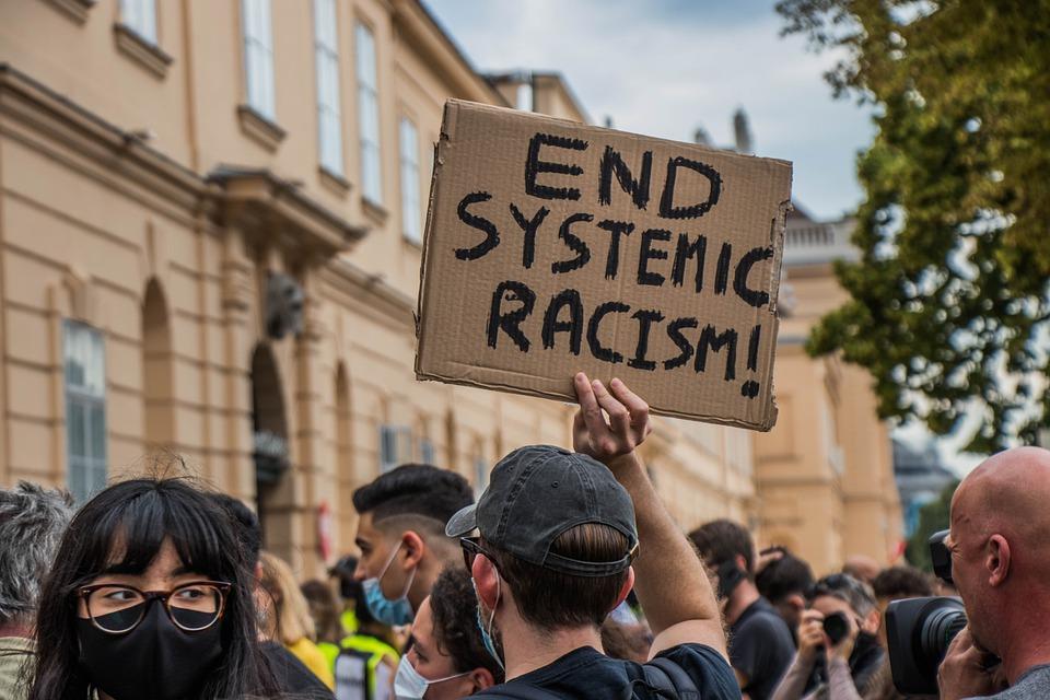 Svet so zajeli protestniki, ki se pod geslom #BlackLivesMatter prizadevajo za konec rasizma. ©UnratedStudio/Pixabay