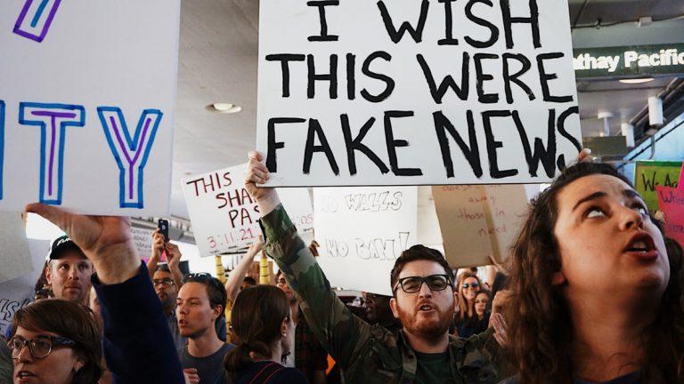 Bo novo svetovno grožnjo svobodi predstavljal besedilni deepfake? © Kayla Velasquez/Unsplash