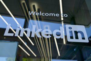 LinkedIn je bilo eno izmed prvih družbenih omrežij, vseeno pa se zdi, da je šele pred kratkim zares dobilo na veljavi. © Greg Bulla/Unsplash